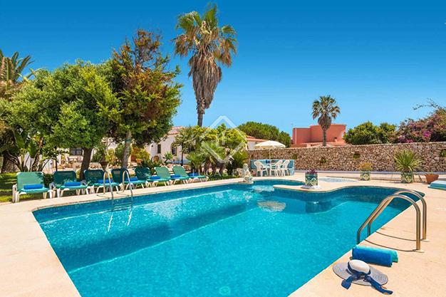 PISCINA MENORCA - Vivir en el paraíso es posible con esta casa de lujo en Menorca