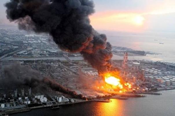 PRE planta incendio jpg 869080375 e1300282896104 - Los héroes de Fukushima