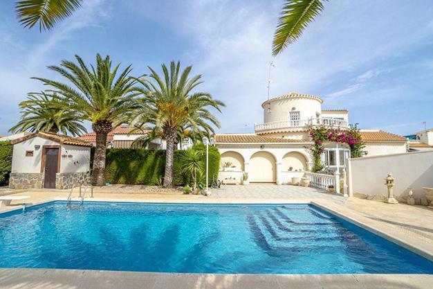 PRINCIPAL ORIHUELA - Disfruta todo el año del buen clima con esta exclusiva villa en Alicante