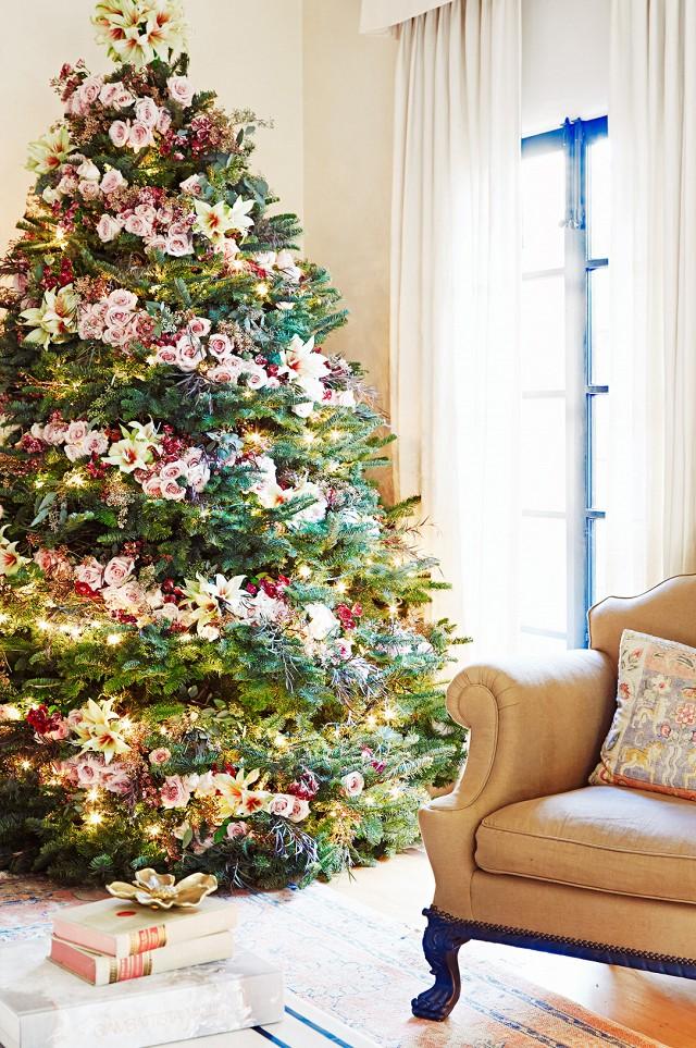 PhilSanchez - Decorar el árbol de navidad con flores: un ambiente fresco con un resultado espectacular