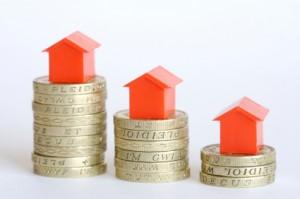 Precio de la vivienda 300x199 - El precio medio de la vivienda baja un 16,5% en agosto