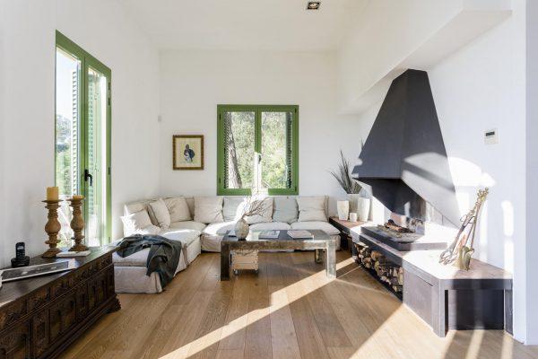 SALON 600x400 - Acogedora casa en lo más alto de las montañas de Barcelona