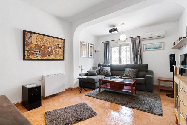 SALON ALICANTE O - Disfruta todo el año del buen clima con esta exclusiva villa en Alicante