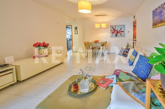 SALON COMEDOR IBIZA - ¿Sueñas con un piso de lujo en Ibiza junto al mar?
