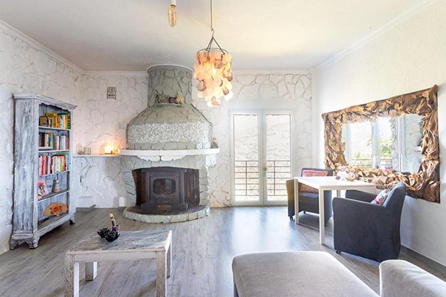 SALON VALENCIA - Descubre esta increíble villa de lujo en Valencia, con arquitectura inspirada en Gaudí y 100% ecológica