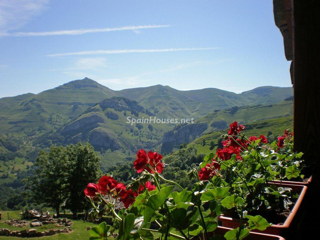 SAnroquederiomiera cantabria 1024x768 - Otoño en 12 preciosas casas en la montaña ideales para disfrutar de la naturaleza
