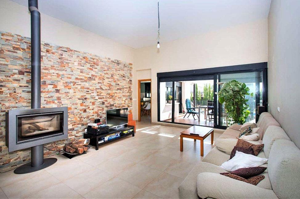Salon 76 - Disfruta de los jardines, piscina y tranquilidad de esta casa individual en Alicante