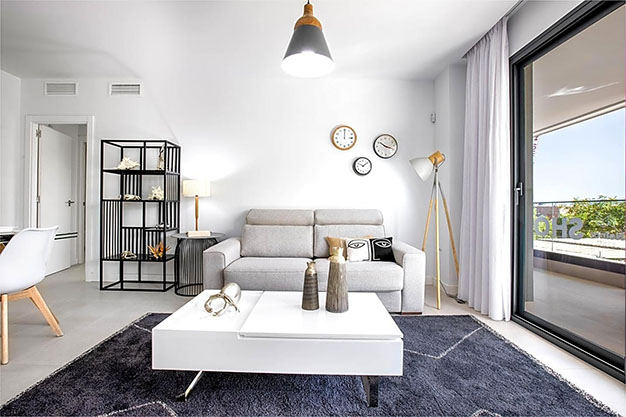 Salon estepona - Apartamento de lujo en Estepona con jardín privado y vistas al mar: todo en uno