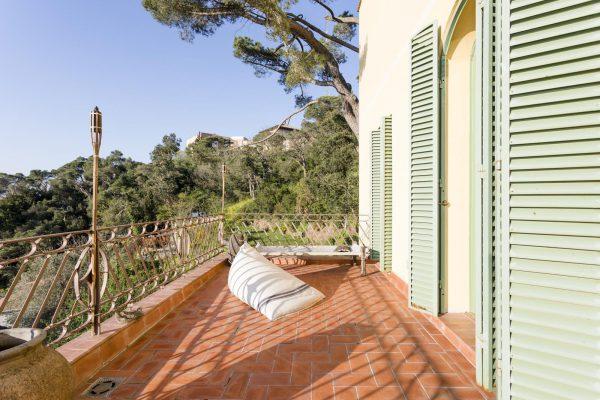 TERRAZA 2 600x400 - Acogedora casa en lo más alto de las montañas de Barcelona