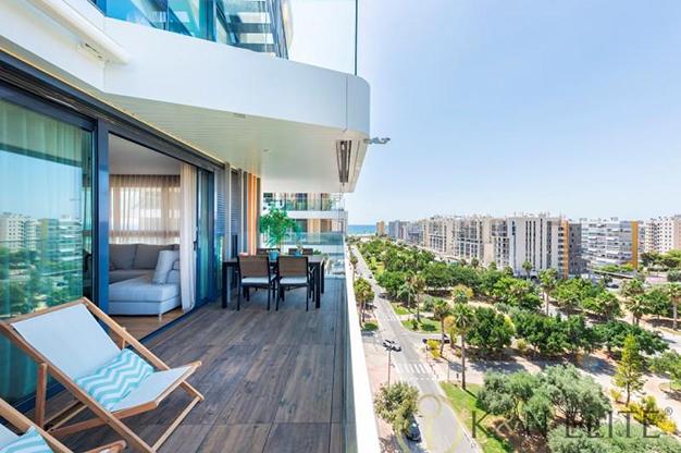 TERRAZA ALICANTE - Descubre este piso junto a la playa en Alicante, ideal para aquellos que buscan un espacio moderno y cómodo