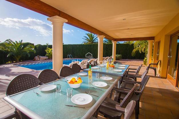 TERRAZA CHALE CALPE - Encuentra tu nuevo hogar en este chalet de lujo en Alicante