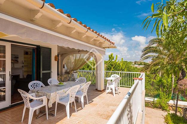 TERRAZA SALON 1 - Vivir en el paraíso es posible con esta casa de lujo en Menorca