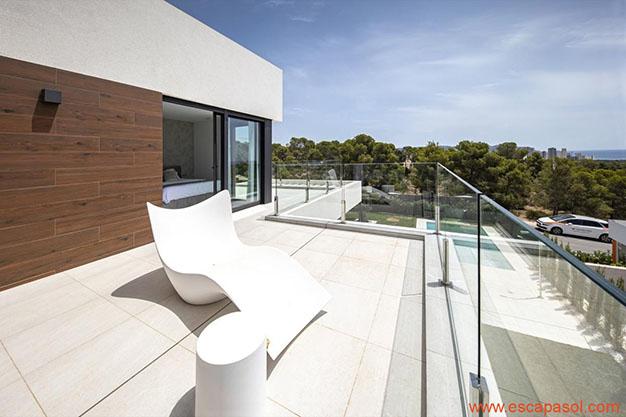 TERRAZA SUPERIOR CASA CON PISCINA ALICANTE - Descubre esta espectacular casa con piscina en Alicante