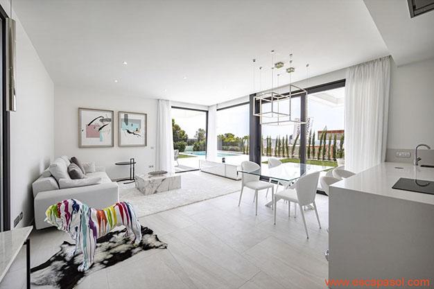 VENTANALES CASA CON PISCINA ALICANTE - Descubre esta espectacular casa con piscina en Alicante