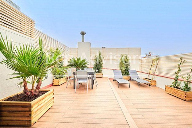 Vista terraza atico lujo Barcelona - Este precioso ático de lujo en Barcelona puede ser tu próximo hogar en la Ciudad Condal