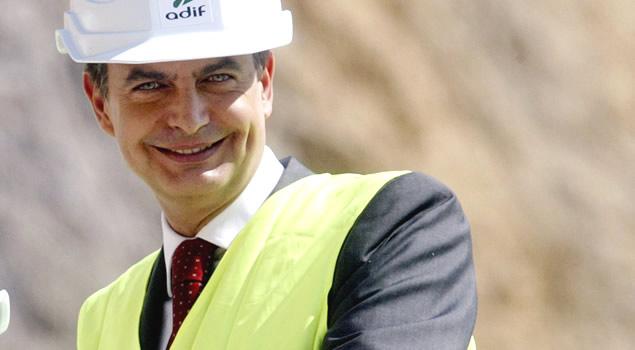 Zapatero durante visita obras AVE1 - El presidente del Gobierno aplaza la reunión con las constructoras de obra pública