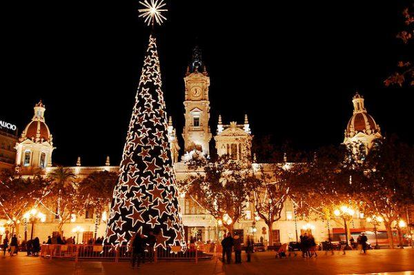 abacoadvisers 600x399 - Las 5 ciudades de España que más brillan en Navidad