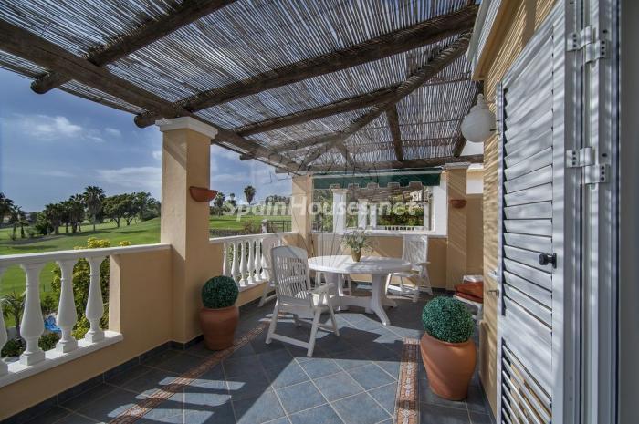 adeje tenerife1 - Verde, sol y mar: 19 fantásticas viviendas a buen precio en campos de golf en España