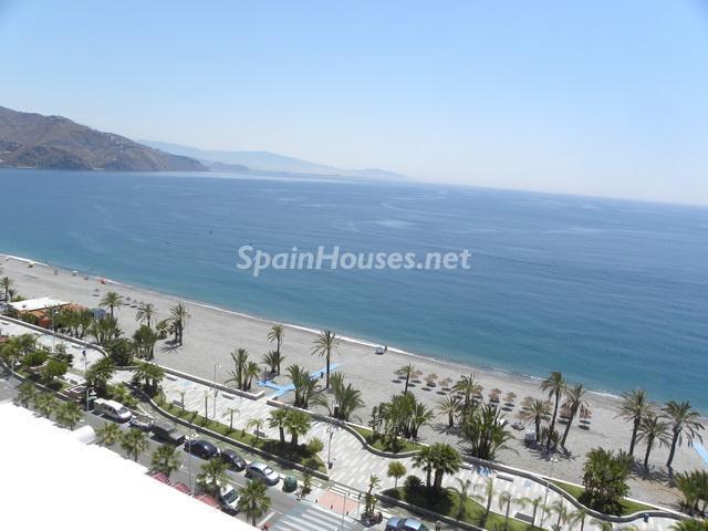 almunecar - A la caza de gangas: 14 apartamentos baratos en la playa con espectaculares vistas al mar
