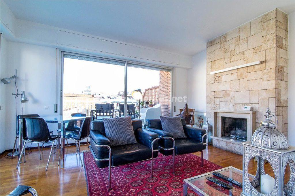 alquiler barcelona 3 1024x680 - Calidez y chimeneas en 17 salones perfectos para disfrutar del invierno