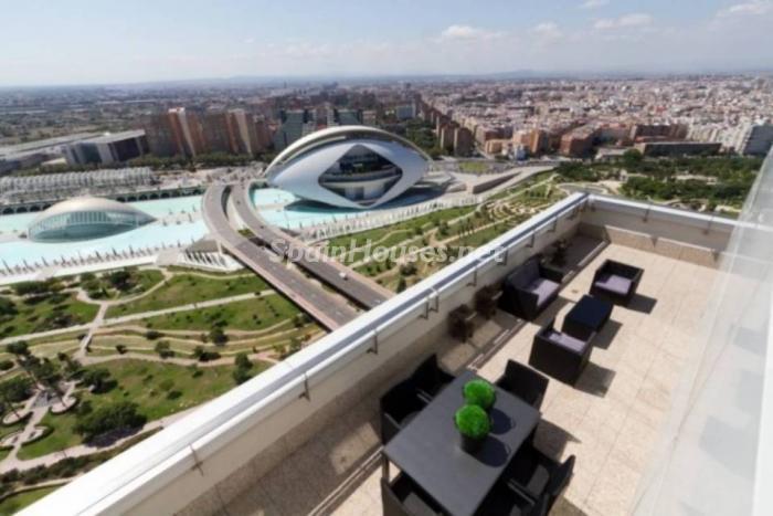 alquiler valencia1 - Áticos: espectaculares terrazas con un bonito toque urbano o fantásticas vistas al mar