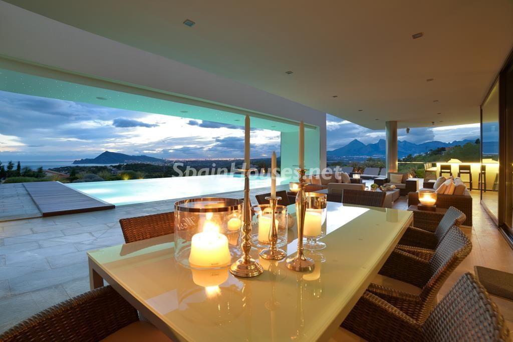 altea alicante 7 1024x683 - Noches de verano en 18 casas de ensueño: diseño bajo las estrellas para relajarse y disfrutar