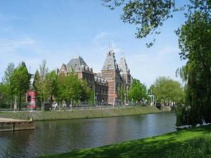 "amsterdam 300x225 - El ""road show"" para vender viviendas llega a Amsterdam"