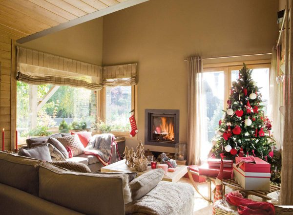 arbol de navidad en blanco y rojo 374154 ddee1666 1200x880 600x440 - Inspírate con estos árboles de Navidad y decora tu árbol perfecto