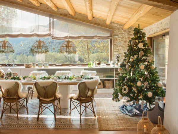 arbol de navidad presidiendo mesa comedor decorada para fiestas 471065 o d79e0d46 1200x899 600x450 - Inspírate con estos árboles de Navidad y decora tu árbol perfecto