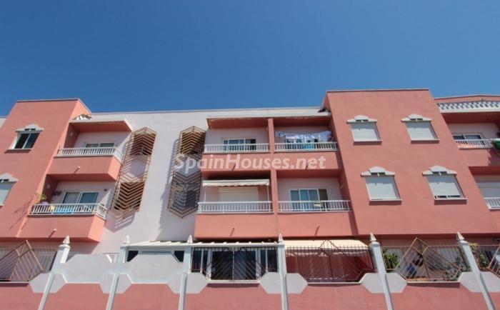 arona tenerife1 1 - ¡A la caza de gangas en Canarias! Pisos por menos de 99.000 euros en Tenerife y Las Palmas