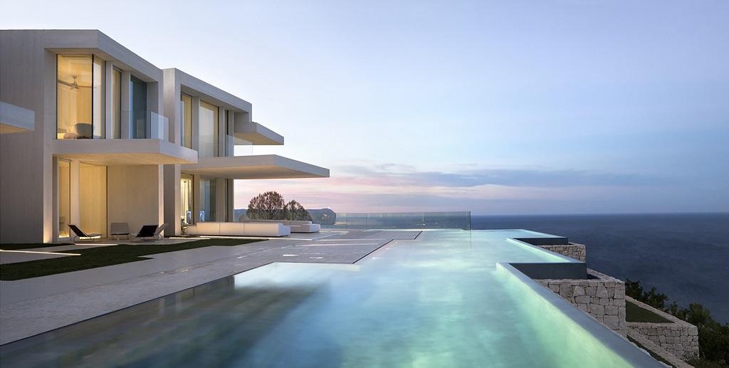 atardecer piscinainfinita1 - Casa Sardinera, Jávea (Costa Blanca): diseño imponente y liviano frente al mar