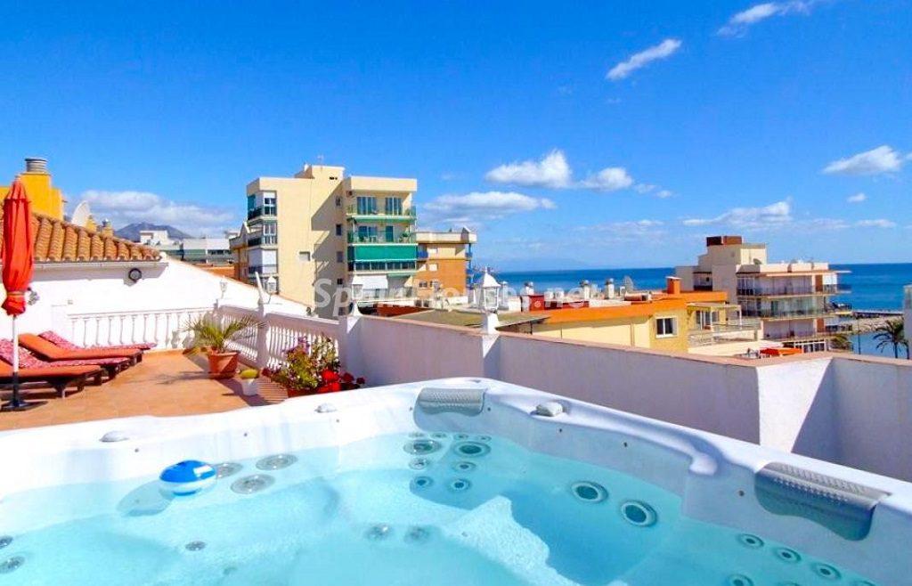 Terraza y vistas desde un piso en Fuengirola (Costa del Sol, Málaga)