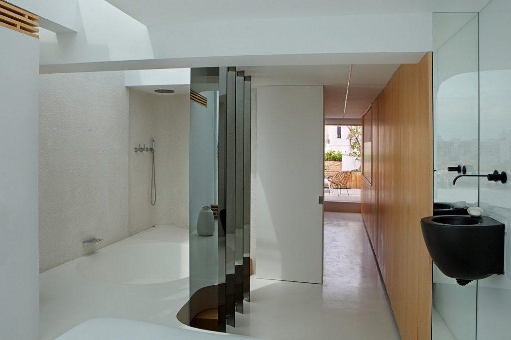 baño 27 1024x682 - Precioso ático de diseño en Valencia: 70 metros de luz, funcionalidad y encanto