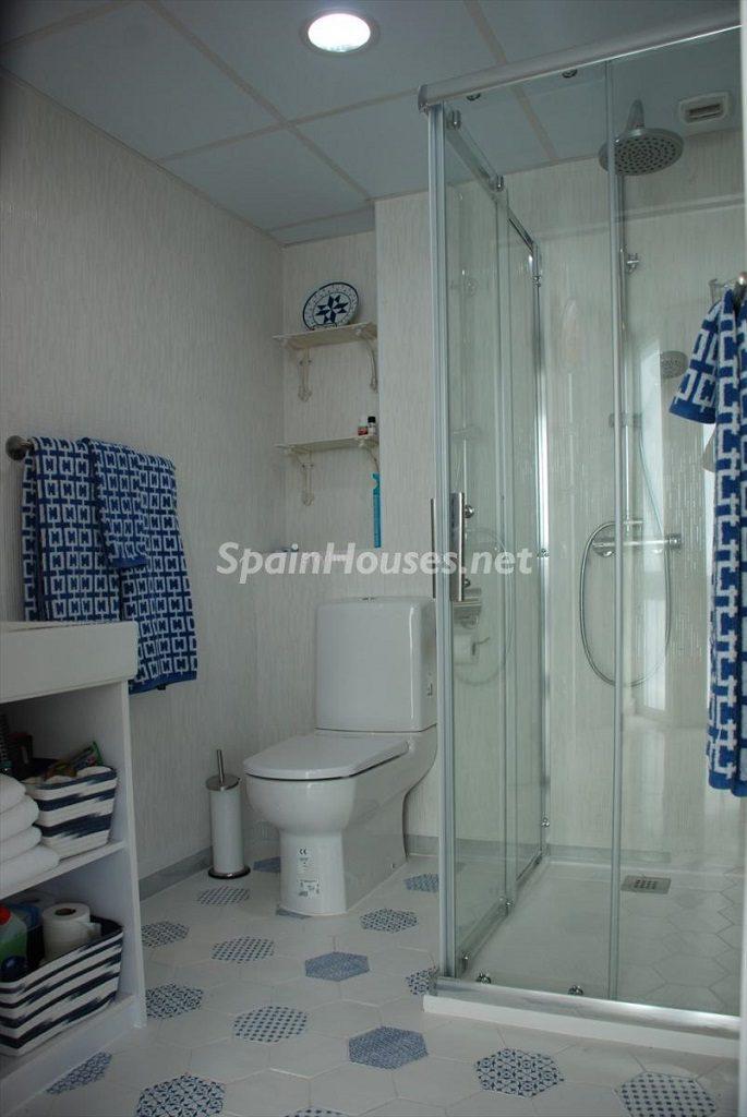 baño 33 685x1024 - Ático en alquiler de vacaciones en Cádiz, ideal para el puente o el carnaval