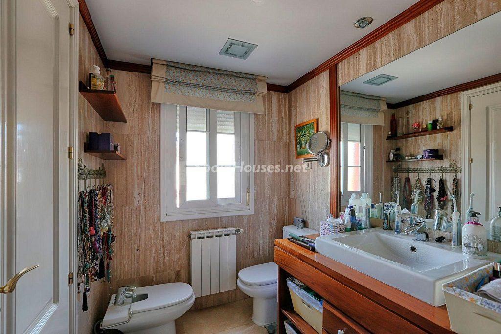 baño 40 1024x682 - Cálido y familiar chalet en Encinar de los Reyes, La Moraleja (Alcobendas, Madrid)