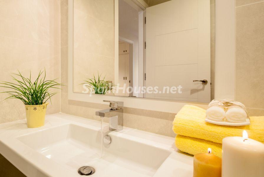 baño1 16 - Home Staging de detalles cálidos en un bonito piso reformado en Cádiz capital