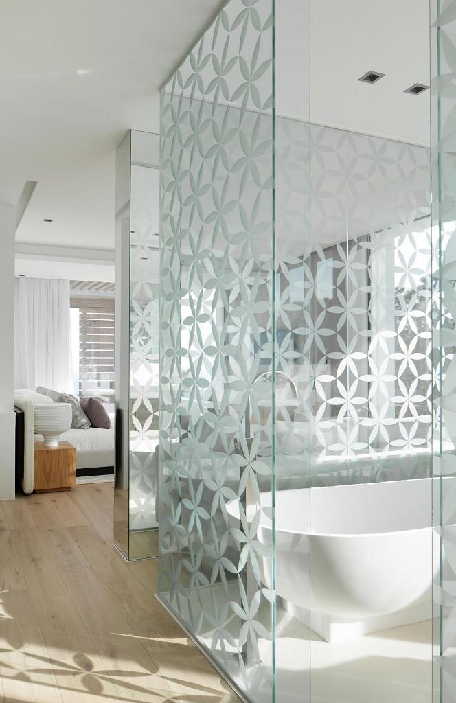 baño1 4 664x1024 - Espectacular y moderna villa en Roca LLisa (Ibiza): sereno minimalismo con vistas