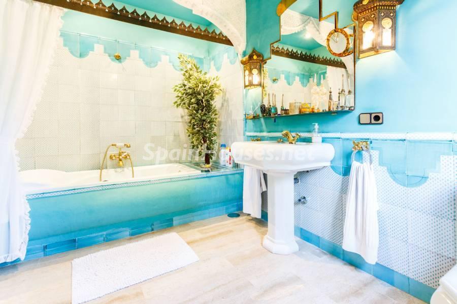 baño1 5 - Estilo mudéjar lleno de encanto en un espectacular chalet en el Aljarafe de Sevilla