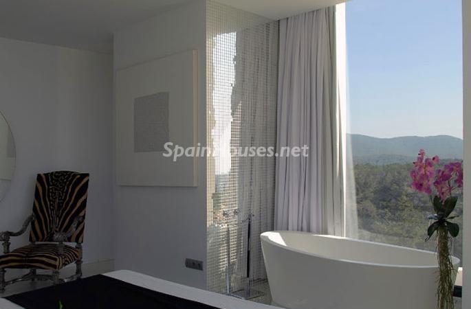 baño18 - Moderna y espectacular villa diseño en Es Cubells (San José, Ibiza)