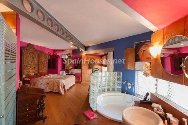 """baño2 - Casa de la Semana: Espectacular villa de """"lujo exótico"""" en Marbella, Costa del Sol"""