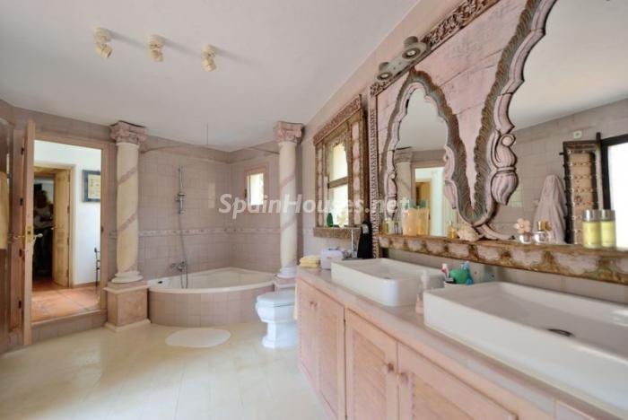 baño26 - Serena y romántica villa en primera línea de mar en Cala Vadella, Ibiza