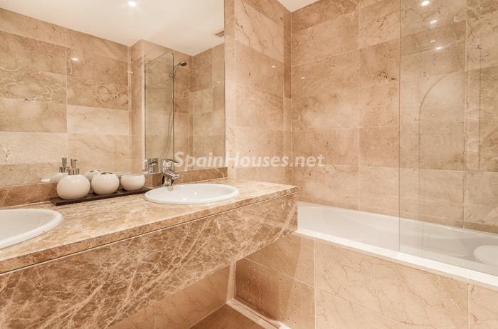 baño3 - Casa de la Semana: Precioso apartamento en Manilva (Costa del Sol), en 1ª línea de Golf