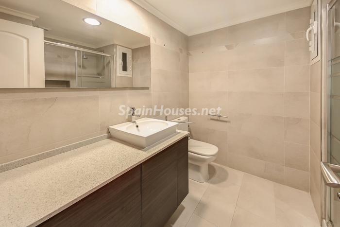 baño35 - Coqueto piso dúplex en primera línea de mar en Cala Viñas, Calvià (Mallorca, Baleares)