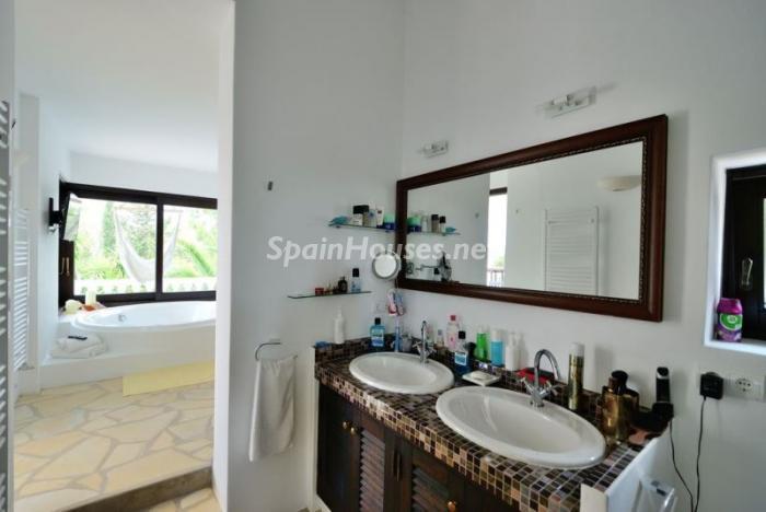 baño36 - Bonita villa en Santa Eulalia (Ibiza, Baleares): toque mediterráneo y mucha privacidad