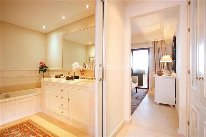 baño49 - Genial piso en Estepona (Costa del Sol): moderno, elegante y en primera línea de mar