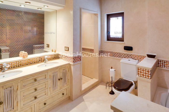baño55 - Elegante chalet con piscina y jardín en Chiclana de la Frontera (Costa de la Luz, Cádiz)