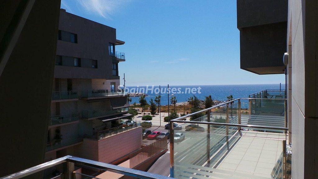 badalona barcelona alquiler 1024x576 - Estabilidad en el precio de pisos en alquiler entre el filón de directivos y universitarios