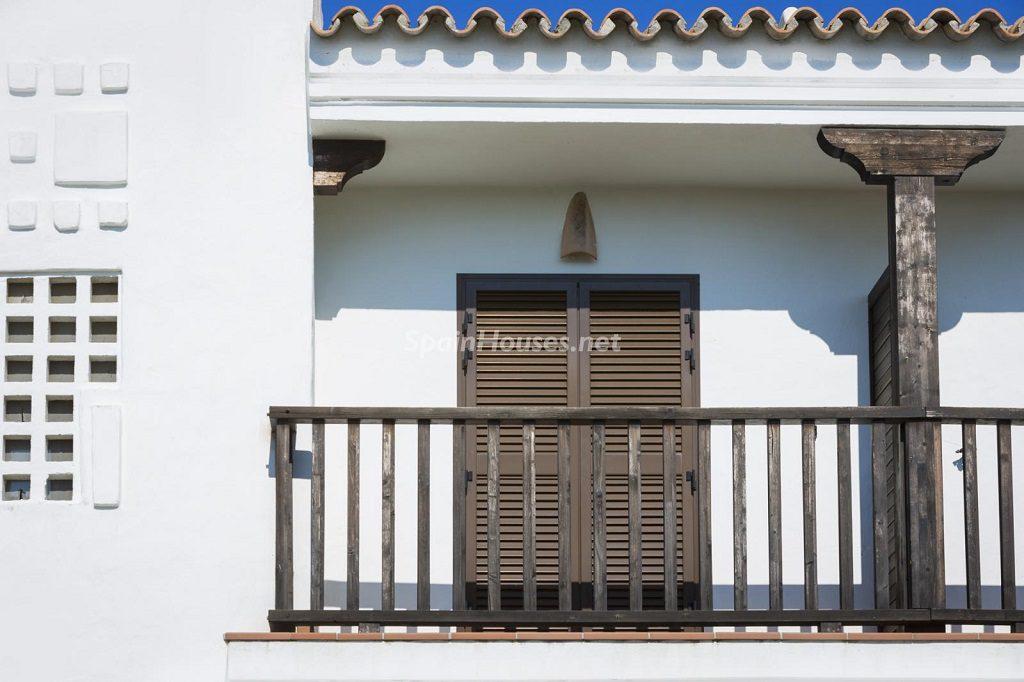 balcon estilomediterraneo sanroque cadiz 1024x682 - Cae la morosidad, los desahucios y las ejecuciones en el primer trimestre del año