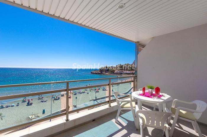 balcon - Escapada económica a la playa en un apartamento en Calpe (Costa Blanca, Alicante)