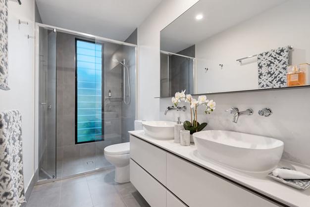 bano ducha - Reformar el baño: en qué gastar para que merezca la pena